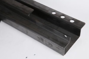 Maßgenauer Laserschnitt in Metallprofile