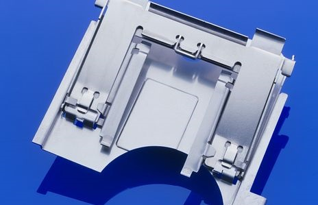 Präzisionsteile aus Blech nach ISO 9001 gefertigt