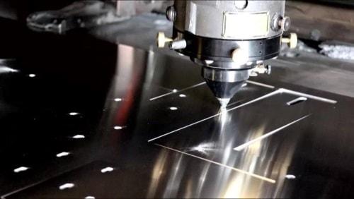 Laserschneiden bei der Kugel Elektro- & Metalltechnik GmbH