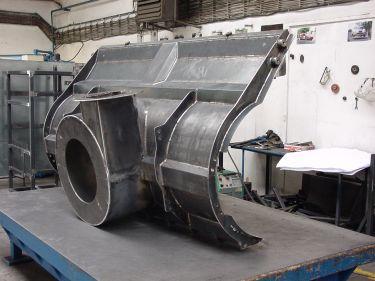 Maschinenbauteile aus Blech nach Kundenvorgabe gefertigt